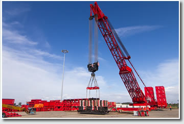 mammoet crane equipped with Lunac 2+